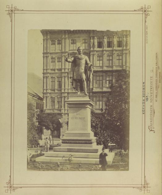 Eötvös tér, Eötvös József szobra (Huszár Adolf 1879.)
