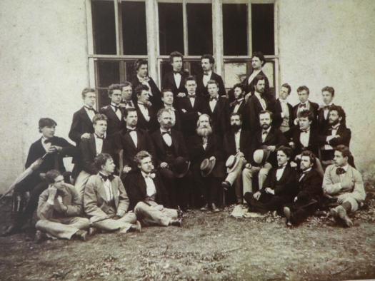 Az iglói evangélikus főgimnázium VIII. osztályos növendékei 1875.
