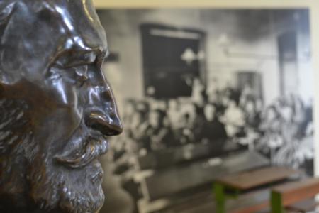 Nagy László (Kisfaludi Strobl Zsigmond alkotása - Bogdán Melinda felvétele)